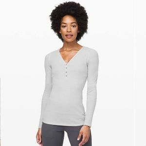 lululemon Close To Call Henley LS (NWT)